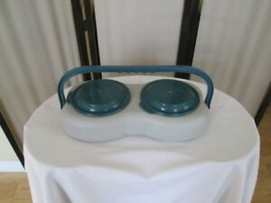 HUNGRY PET TRAVEL FEEDER