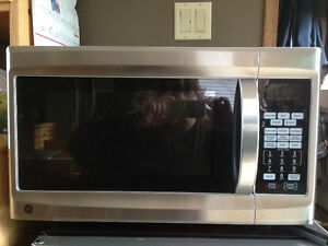 GE 1.2 cu.ft. Stainless Steel Convection Microwave
