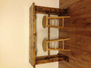 hand made solid wood bar table for sale, 50$ with stools