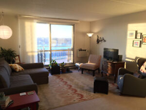 Feb 1 Sublet - Convenient location on Red River