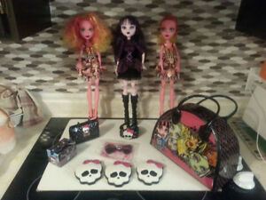 """3 Large 17"""" Monster High Dolls & Accessories"""