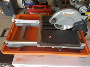 """8"""" wet tile saw with laser"""
