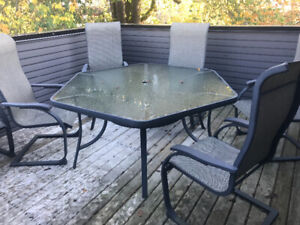 Patio furniture - table 6 chairs
