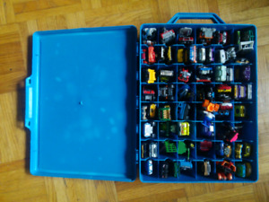 Blue Hot Wheels Dinky case & over 70 Dinkies