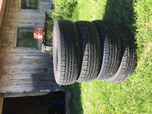 4 pneu 4saison goodyear conquest 195/70r14     150$
