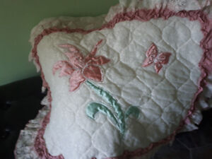 Beautiful lace & satin bedspred - LIKE NEW