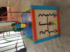 GREAT condition Imaginarium Discovery Activity Cube baby/toddler