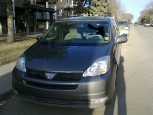 2004 toyota sienna 8 passengers good condition