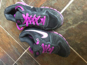 Nikes woman's sneakers