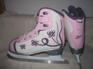 Girls' Recreational Skates Sizes 12, 1 & 2 CCM/RBK Glitter Girl