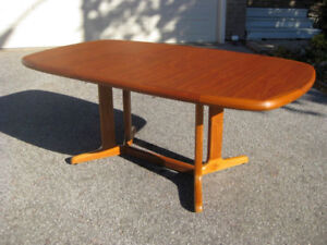 Refinished MCM Teak Dining Table. 6 Nordic Teak Chairs