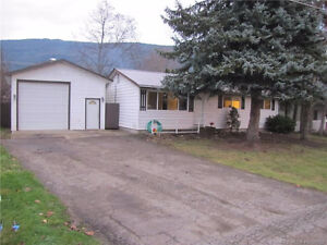 7210 49th Street, NE Salmon Arm - Great Family Home!