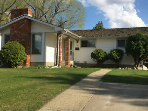 GREAT FAMILY HOME FOR RENT - JUNE 1ST
