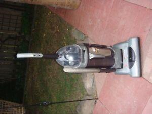 Hoover Vacuum Cleaner Model # U5720-950, Bag-Less
