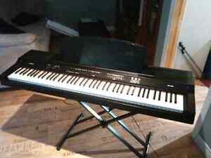 Piano yamaha 88notes Saguenay Saguenay-Lac-Saint-Jean image 1