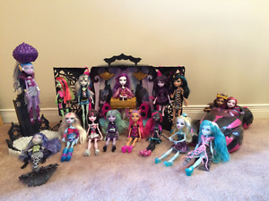 Monster High Playsets, Roadster, and Dolls