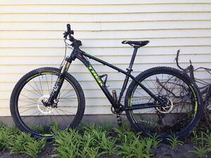 Vélo de Montagne MTB Hardtail Trek Stache 29er Super Light