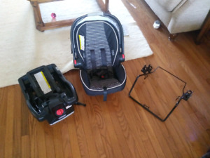 Graco SnugRide 35 with Mountain buggy adapter