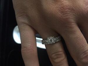 Beautiful Diamond Engagement & Wedding Band Set