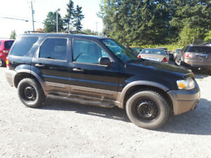 FORD ESCAPE XLT 2006 V6 1500$