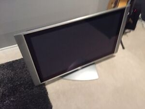 42 inch hitachi tv need to sell asap