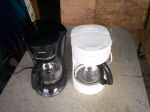 Plain Jane coffee makers. Clean and work great.
