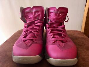 Souliers de basket Nike pour femme