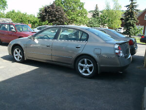 2005 Nissan Altima 3.5 SE: Only 91Kms, Rare 5 Speed, Like New!!