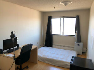 Summer Sublet on Quinpool (ONLY pay $550 of $650)