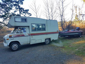 Used Motorhome, Camping Trailer and Fifth Wheeler for sale.