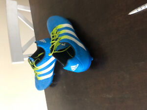 Mens Adidas Ace 16.2 soccer cleats, size 10