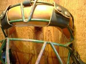 Vintage Baseball Catchers Mask  (VIEW OTHER ADS) Kitchener / Waterloo Kitchener Area image 4