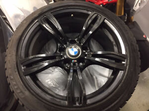 "BMW Mags (18"") and winter tires (4) / Jantes BMW et Pneus"