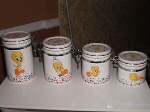 4 piece TWEETY BIRD cannister set