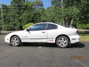 2001 Pontiac Sunfire SLX Coupe (2 door)