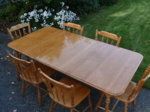 Kitchen/Dining Table and Chairs, solid maple