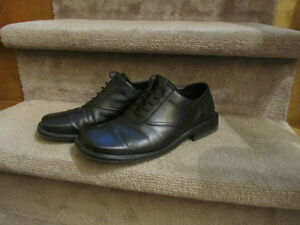 men's leather shoes size 8 London Ontario image 1