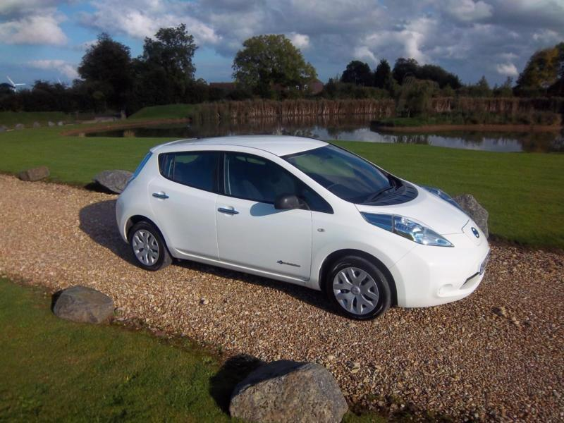2013 13 nissan leaf e 80kw 24kwh auto 2013my visia flex in grimsby lincolnshire. Black Bedroom Furniture Sets. Home Design Ideas