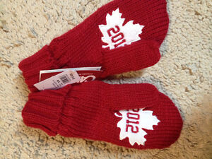one size red olympic mitten (never worn)