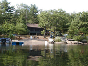 KASSHABOG LAKESIDE FAMILY COTTAGE RENTAL, PETS WELCOME!