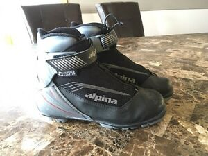 Cross Country Ski Boots - Classic