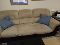 Plush 3-seater couch