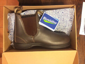 Blundstones brand new never worn in Box. Size 10.5