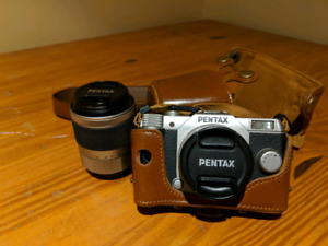Pentax Q10 with 01 Standard Prime lens + 06 Telephoto Zoom lens