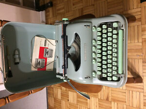Vtg Hermes 3000 1960's typewriter with accessories
