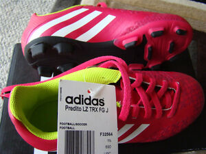BNIB ADIDAS SOCCER SHOES SIZE 2 FOR GIRLS AGES 6 - 9 HOT PINK Regina Regina Area image 4