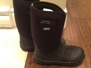 Boys size 6 solid black Bogs for sale