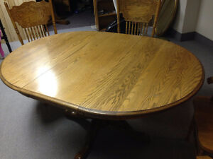 Solid oak table and chair Peterborough Peterborough Area image 3