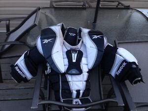 Jr Goalie hockey equipment