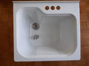 évier en plastique / tube a laver